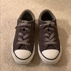 Boys All Star Converse Size 1. Like new!